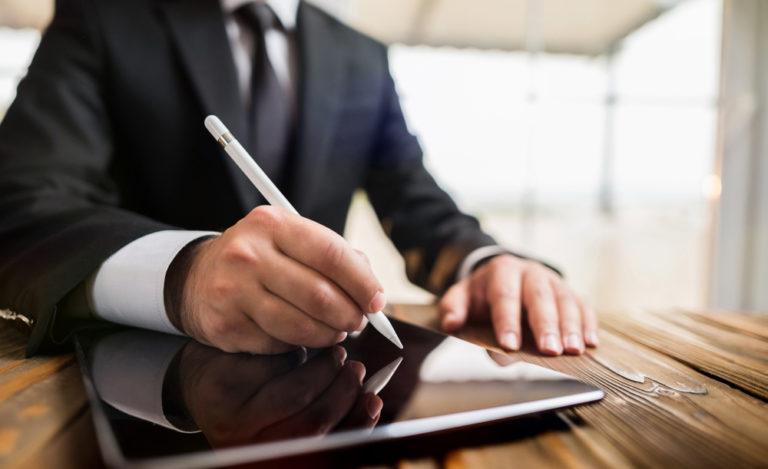Electronic signatures businessperson australia